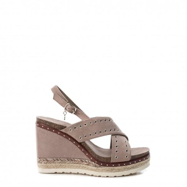 Hnědé boty na klínku Xti dámské